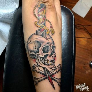 Traditional Skull and Dagger